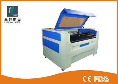China Advertising Series CO2 Laser Engraving Cutting Machine Water Cooling For Bamboo Gift supplier